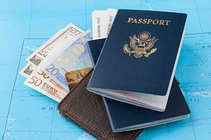 Passaporte e moedas estrangeiras