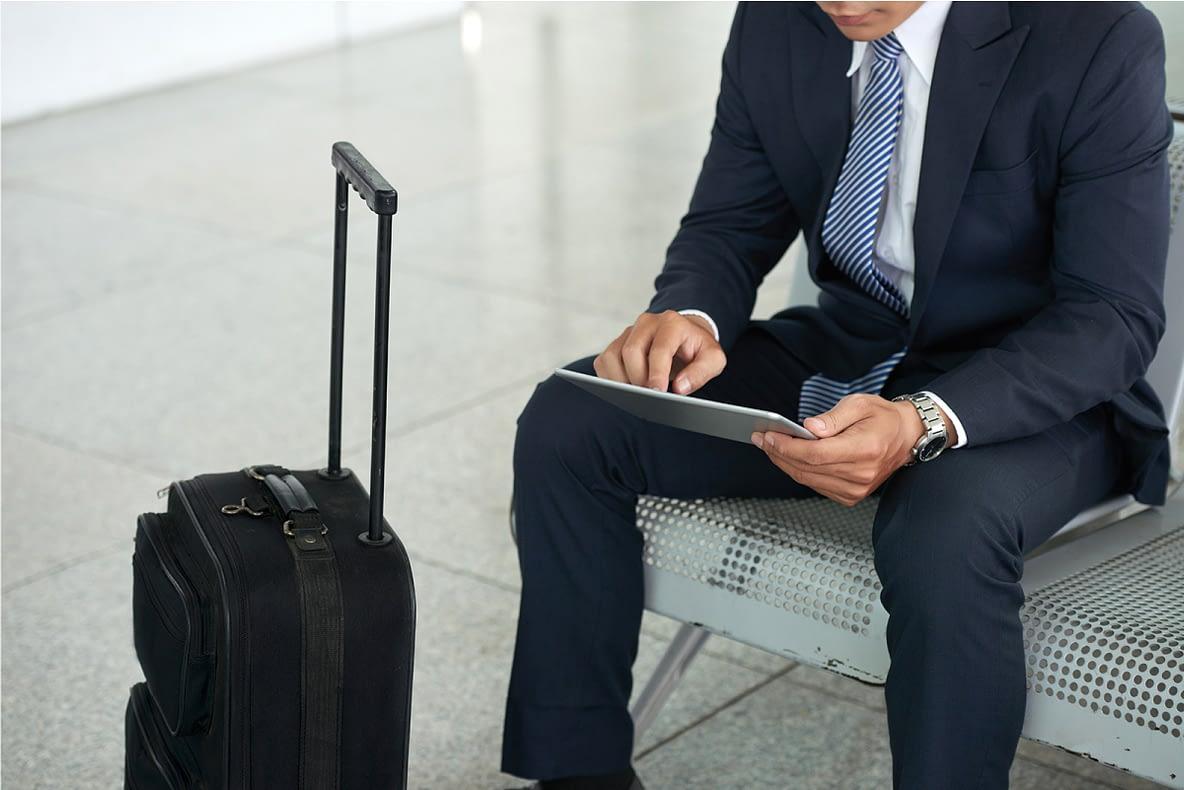 economia em viagens corporativas