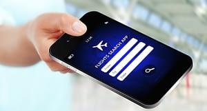 Aplicativo de viagem na tela do smartphone